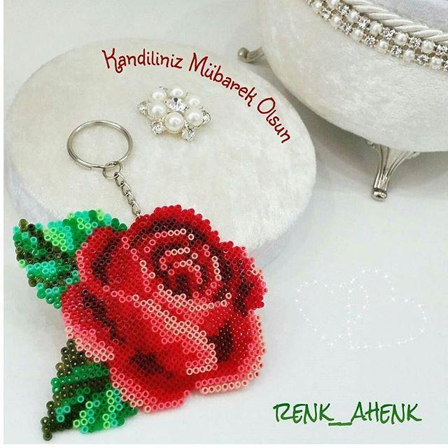perle hama rose