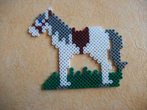 cheval en perle hama